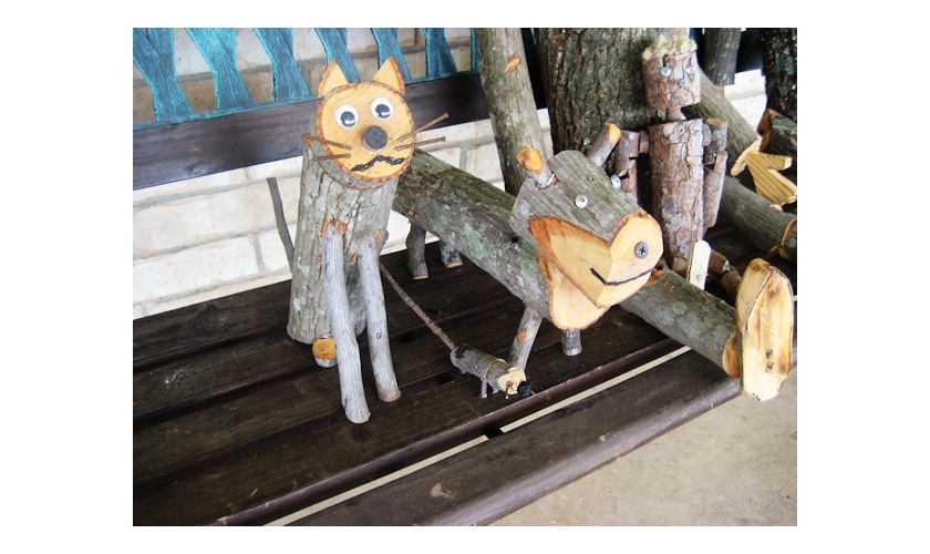 Wood family pets
